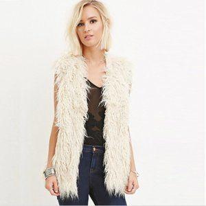 FOREVER 21 Faux Fur Shaggy Cream Vest